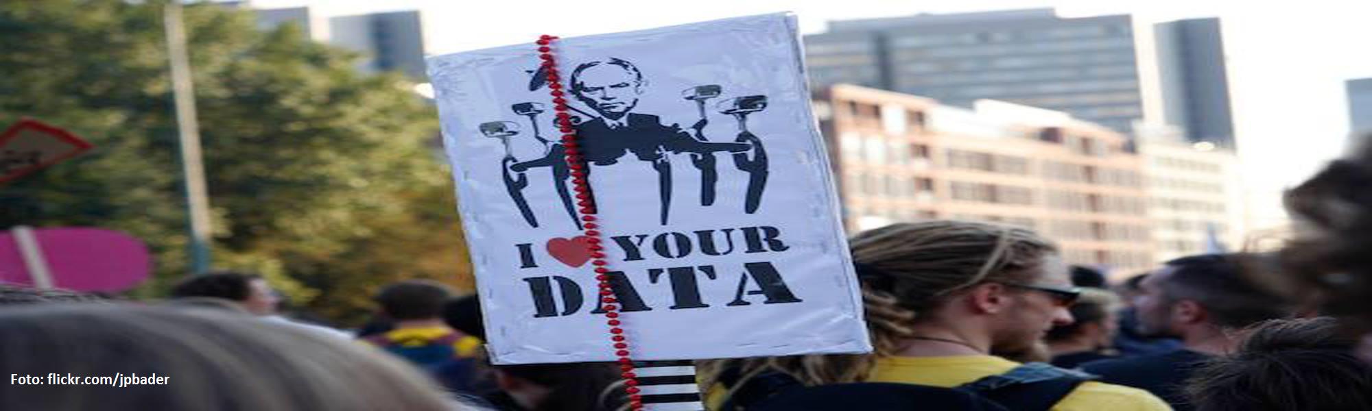 Ein Protestplakat bei einer Demonstration